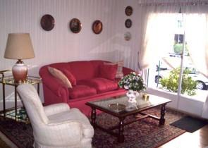 Amplio apartamento amoblado a metros de la playa en Pocitos Nuevo
