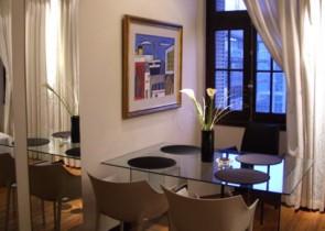 Apartamento amueblado con buen gusto en el piso 8 de Palacio Salvo