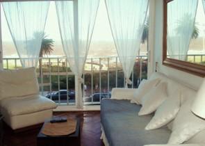 Oceanfront rent apartment Montevideo